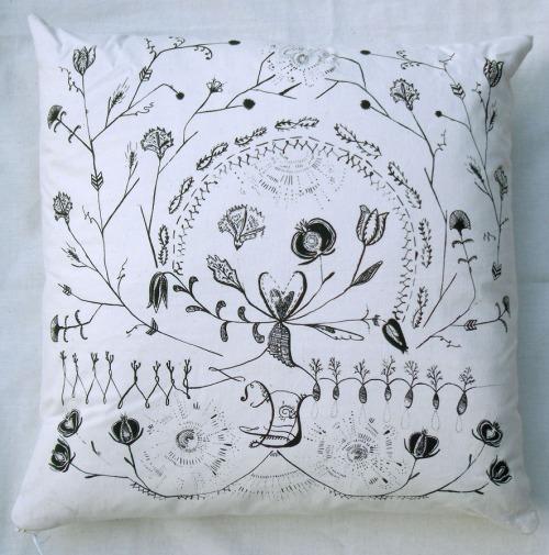 caitlin cushion