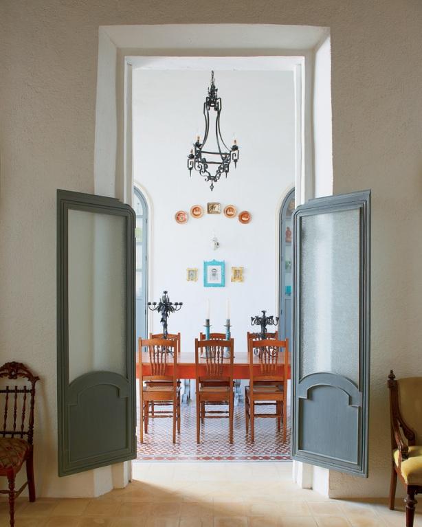 swinging bookcase door